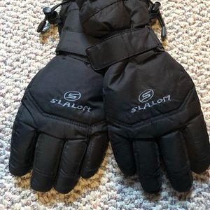 Other - Boys black winter gloves